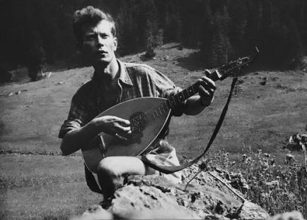 Als Lautenspieler, ca. 1940